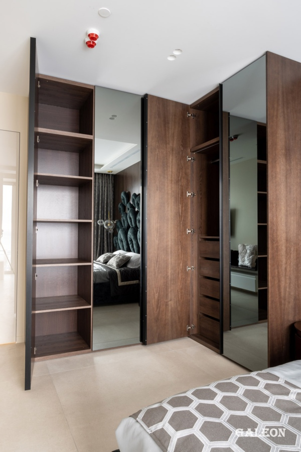 Wardrobe in the bedroom
